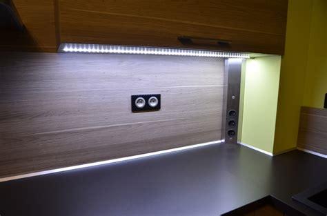 lumiere plan de travail cuisine eclairage led plan de travail cuisine led 39 s go