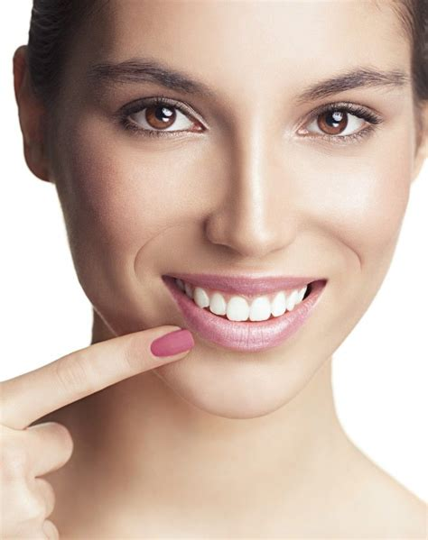 The insurance company agrees to cover the cost of certain benefits listed in your policy. Veneers are slim, porcelain covers which are put covering the front surface area of the teeth ...