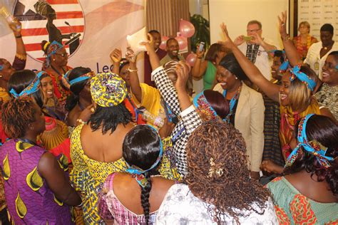 liberian women   ready  lead