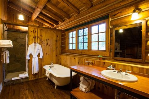 cottages in bath with tub cabin 8 bathroom oversize tub oakley shower