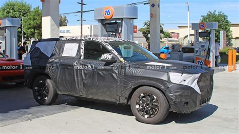 jeep grand cherokee spied     time