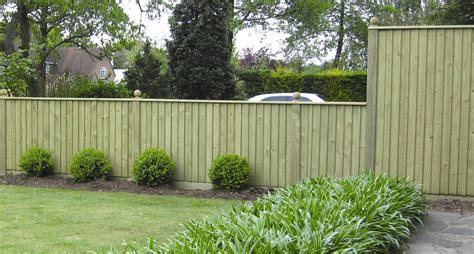 garden fencing ideas 8 amazing budget garden fence ideas gardening flowers