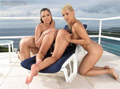 Boyley Crack Softcore By The Beach Bisexual Teens Brandy Smile Peaches And Miko Sinz Are