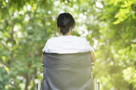 gender related  family issues multiple sclerosis