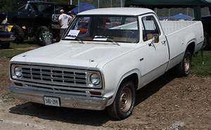 1976 Dodge D100 Sweptline Pickup