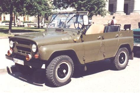 russian military jeep so if i buy a soviet military jeep what color should i