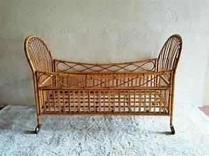 Lit Bebe Rotin : berceau lit rotin vintage muros design et vintage en bourgogne ~ Teatrodelosmanantiales.com Idées de Décoration