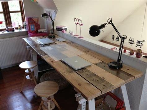 fabriquer un bureau en palette bureau en palette modèles diy et tutoriel pour le