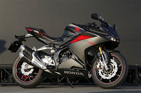 2017 honda cbr250rr review of specs features