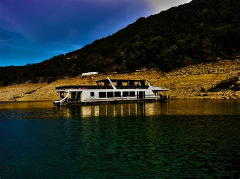 Lake Boats Rental by Boat Rentals Luxury Boat Rentals On Lake Travis