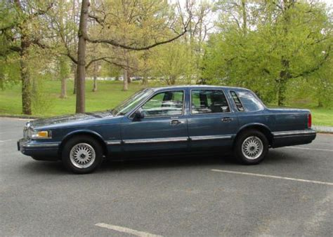 Bullet Boats For Sale Near Me by 1996 Lincoln Town Car Signature Series Cars Trucks Autos