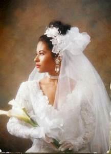Our beautiful queen in her wedding dress | Selena ...