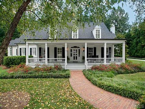 Country House : Low Country Home-has A Similar Resemblance To The Home We
