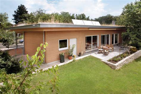 bungalow flachdach bauen bungalow mit flachdach schw 246 rerhaus