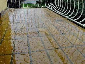 Hauswand Abdichten Außen : balkonfliesen selbst transparent farblos abdichten ~ Michelbontemps.com Haus und Dekorationen