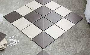 Fliesen Diagonal Verlegen : balkon fliesen steinboden teppichboden ~ Lizthompson.info Haus und Dekorationen