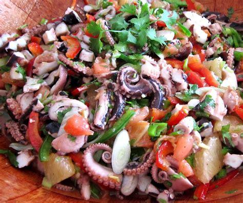cuisiner les poulpes salade de poulpes aux tomates et 4 céréales