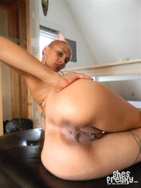 Sexy Latina Freak Shesfreaky