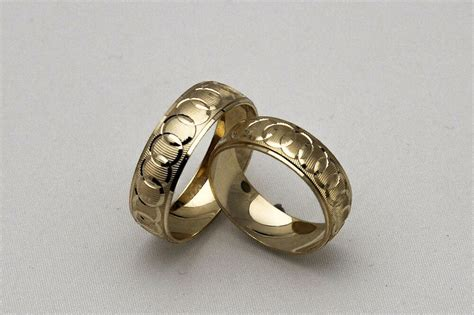 10k Solid Yellow Gold His And Her Wedding Band Ring Set Sz