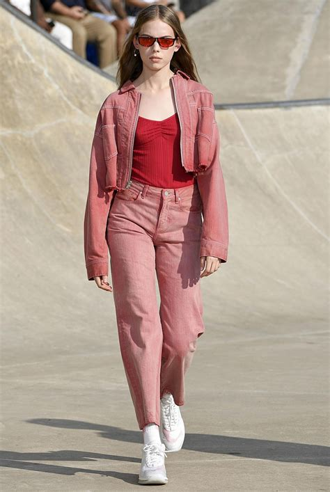 The 6 Key Spring 2019 Trends Confirmed By The Runways Edited