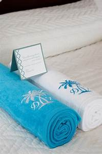 02 17 rustic ideas plum pretty sugar guest rooms puppys With wedding favor beach towels