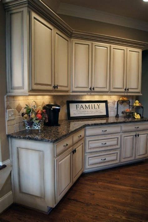 kitchen cabinet colors  small kitchens