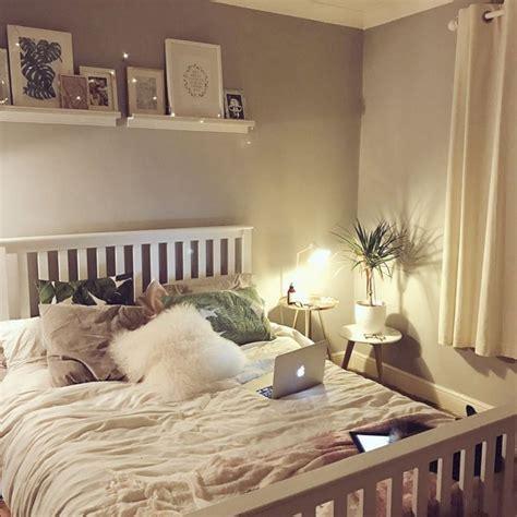 Fairy Lights Bedroom Idea Decoredo