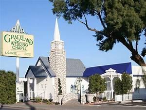 The legendary graceland chapel las vegas dream wedding for Wedding chapels in las vegas nevada