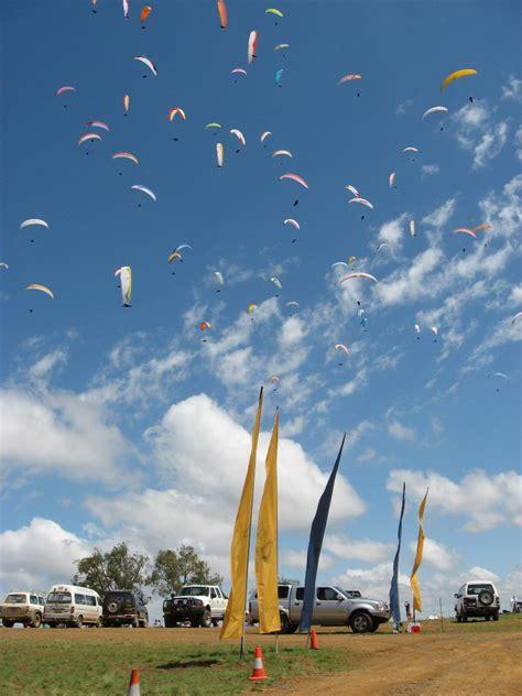 paragliding australia world class flying site school