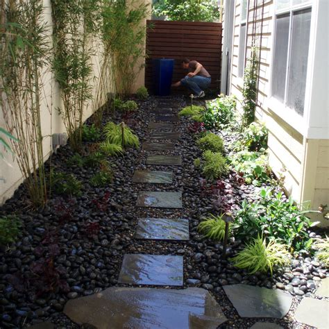 landscaping narrow spaces interleafings garden designers roundtable expanding small spaces