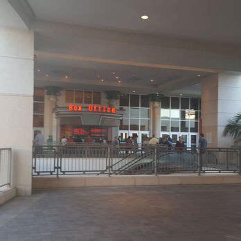 cobb theater palm gardens cobb theatres 32 photos 50 reviews cinemas 11701
