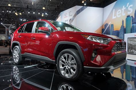 Toyota Rav 4 New by 2019 Toyota Rav4 Gets Rugged Redesign 187 Autoguide News