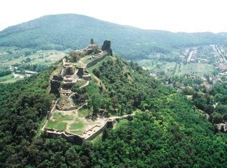 A szigligeti vár egyike azon kevés várainknak, amely a török időkben sohasem hordozta tornyain az oszmán felségjelvényeket. Hévíz-Relax