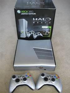 The Video Game Critic's Halo Paraphernalia