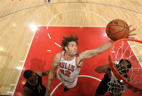 Report: Bulls Have 'Intensified' Robin Lopez Trade Talk