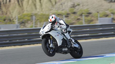 Aprilia Rsv4 Wheelie Track Race Track Wallpaper