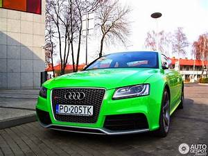 Bright Green Audi Rs5 Stands Out
