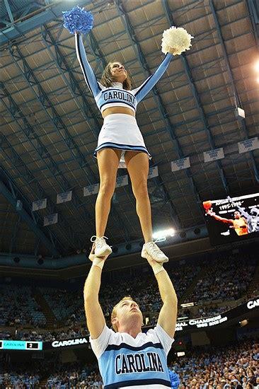 unc cheerleader    keeping  heel