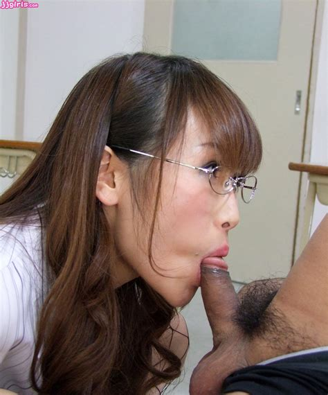 Mana AOki Blowjob Starway