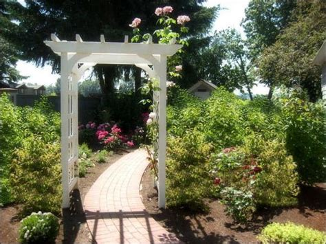 beautiful wooden arches creating romantic garden design