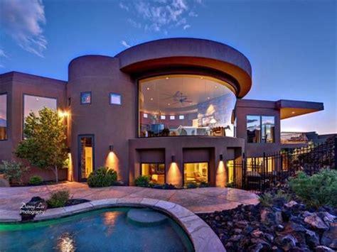 Modern Mansion House