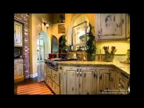 how to distress white kitchen cabinets distressed white kitchen cabinets 8634