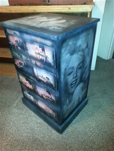 marilyn monroe and elvis chest with 4 drawers