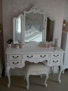 Meuble De Maquillage : le meuble de rangement de maquillage organisez vos trucs d 39 embellissement ~ Teatrodelosmanantiales.com Idées de Décoration