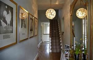 striking, hallway, with, gilt, mirror, , stripe, runner, , u0026, flower, light