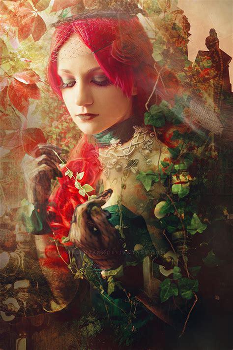 Elizabeth Hinders Digital Photomanipulation Ego