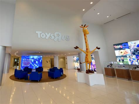 Toys R Us Closing Sale Begins At Headquarters