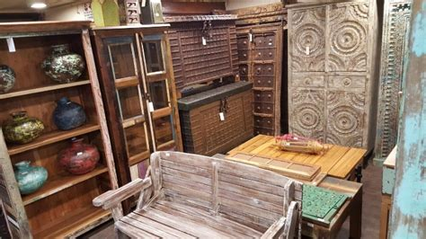 chor bazaar shop offers vintage decor   junk