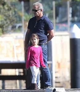 Mel Gibson 'houses daughter Lucia in lavish $40 million ...
