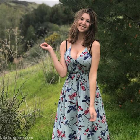 Jadesnel Cute Teen With Big Boobs Page 2 Of 3 Fapdungeon